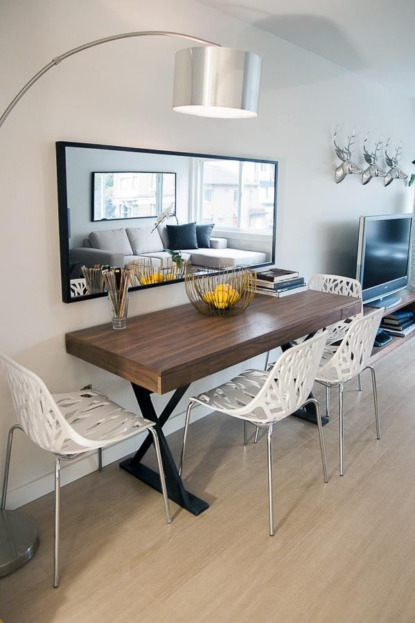 Dining room table 8 - for four people