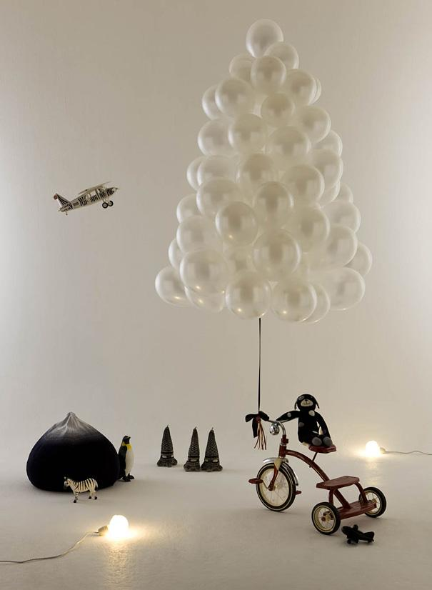 Dutch Christmas tree - made of white balls