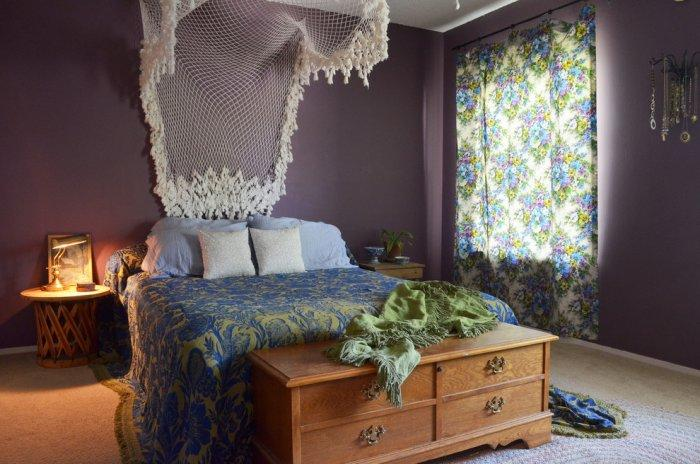 Eclectic bedroom 8 - with purple walls