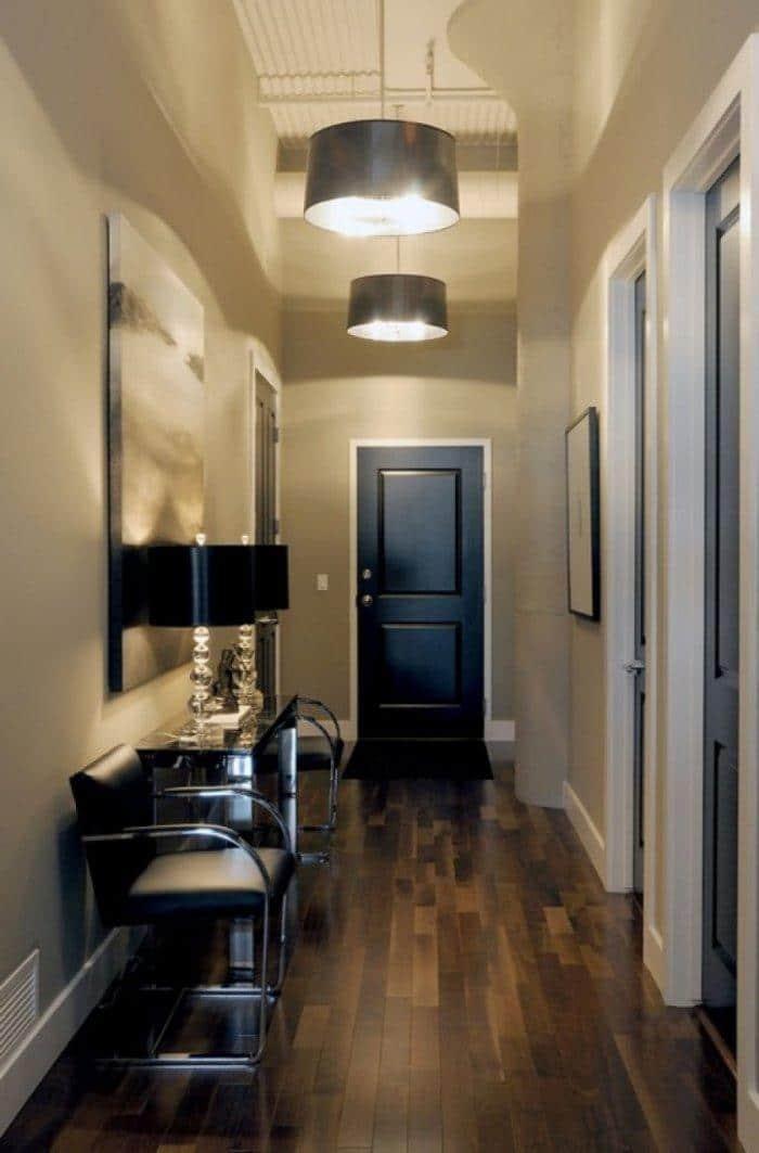 Elegant entryway door - with traditional curves
