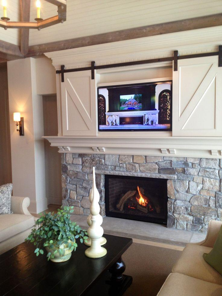 Charmant Fireplace Decorating Idea With TV 4   And Barn Sliding Doors