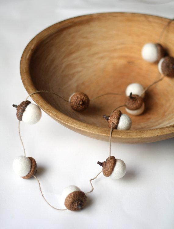 Handmade Christmas garland - made of acorns