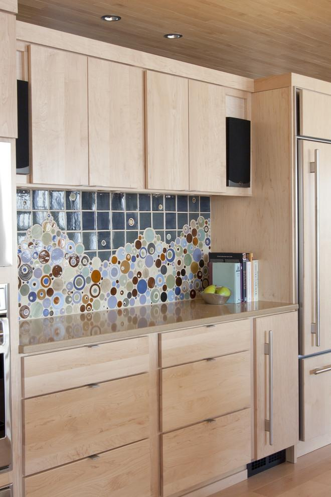 Kitchen backsplash 12 - casual and colorful design