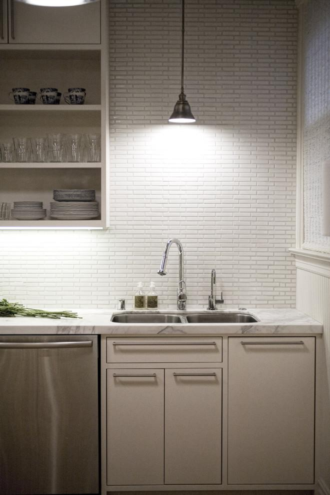 Kitchen backsplash 4 - traditional style