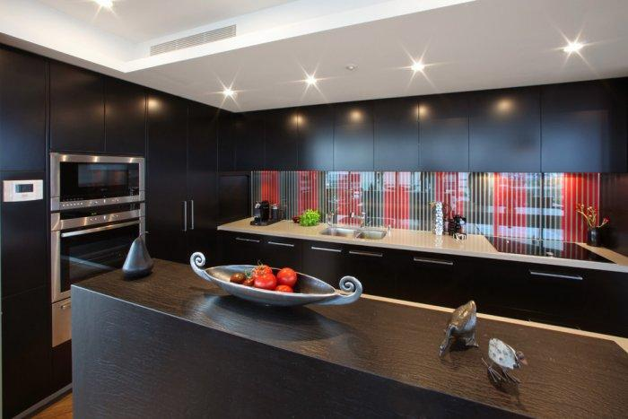 Kitchen backsplash - expensive black and red style