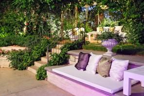 Landscaping Tips for a Modern Home