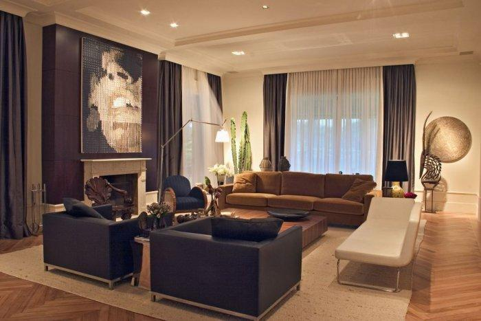Luxurious brown living room - with wall art