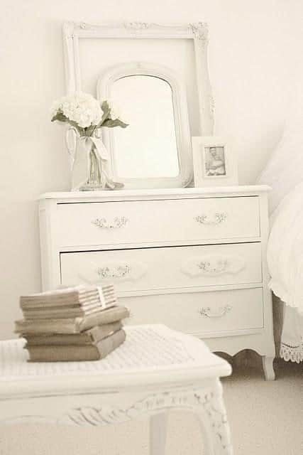 Modern decor idea 17 - white classic chest of drawers