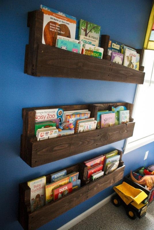 Modern pallet bookshelves - with lots of books and magazines