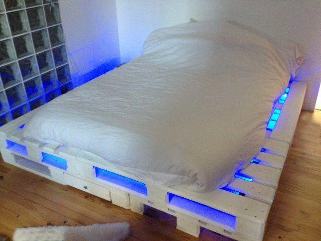 Pallet bed lights 4 - under white painted base