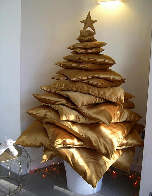 Pillows Christmas tree - in gold color
