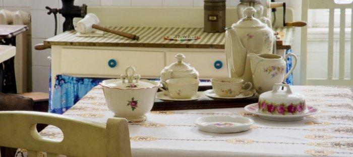 Porcelain kitchenware - a set of tea cups