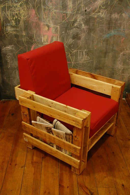 Red pallet chair - with soft seat and shelves