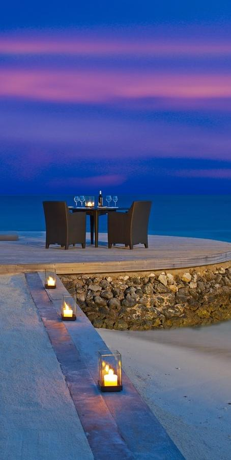 Romantic table on the beach 3 - with splendid views over the sea