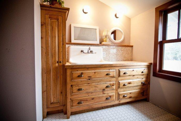 Rustic bathroom 15 - with wooden chest of drawers