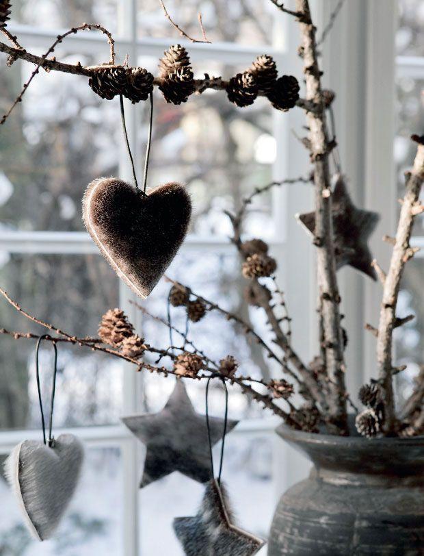 Scandinavian Christmas heart - on natural tree