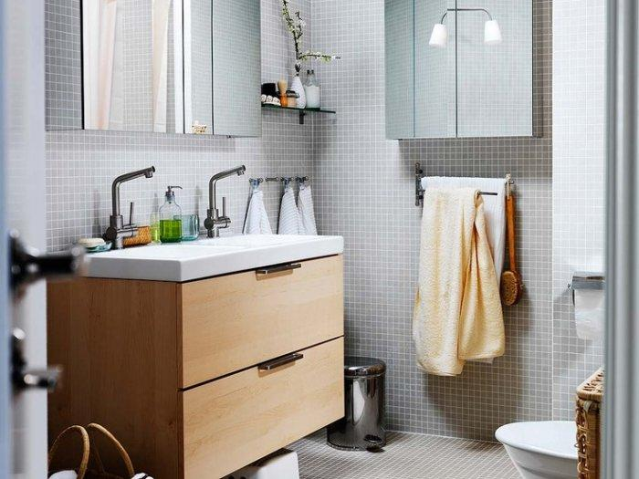 Simple bathroom cabinets - with drawers for storage