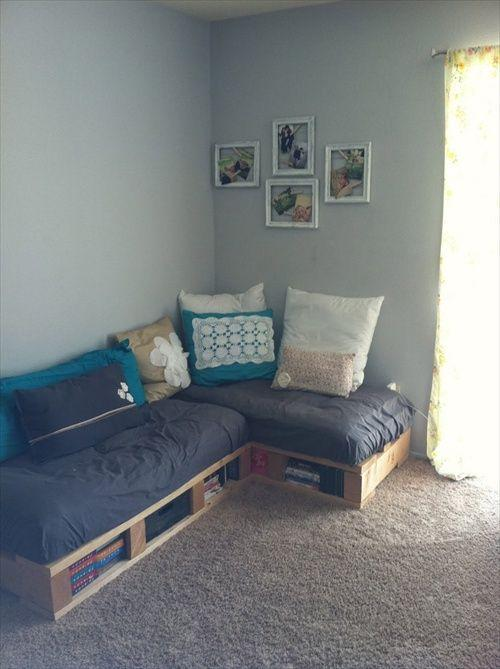 Small casual pallet sofa - used in the corner of the living room