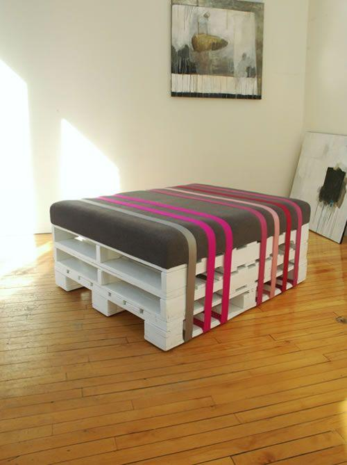 Pallet Furniture Tables Beds Couches And Bookshelves