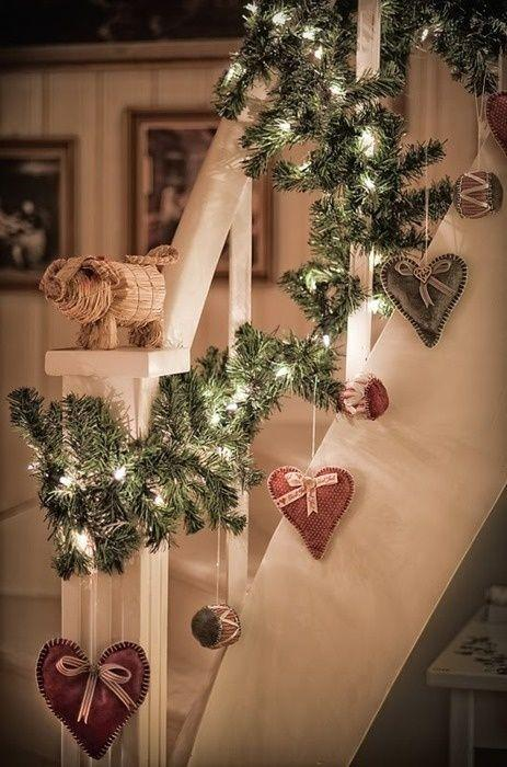 Stair Christmas garland 3 - with red paper hearts