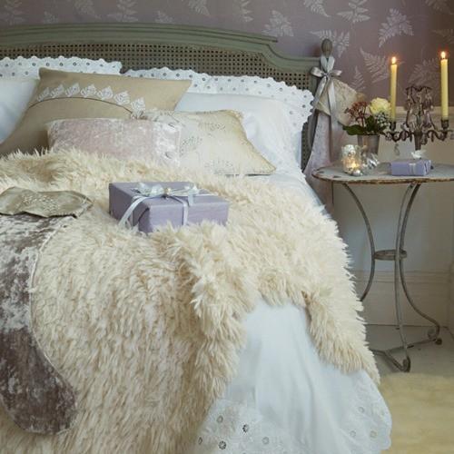 Vintage bedroom candleholder - with gothic design