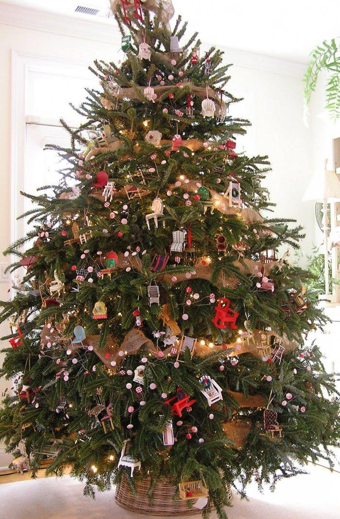 Wicker Christmas tree skirt 11 - and many decorative gifts