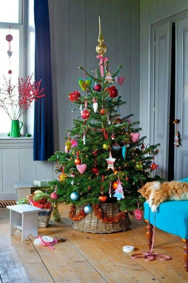 Wicker Christmas tree skirt 5 - in a small cozy living room