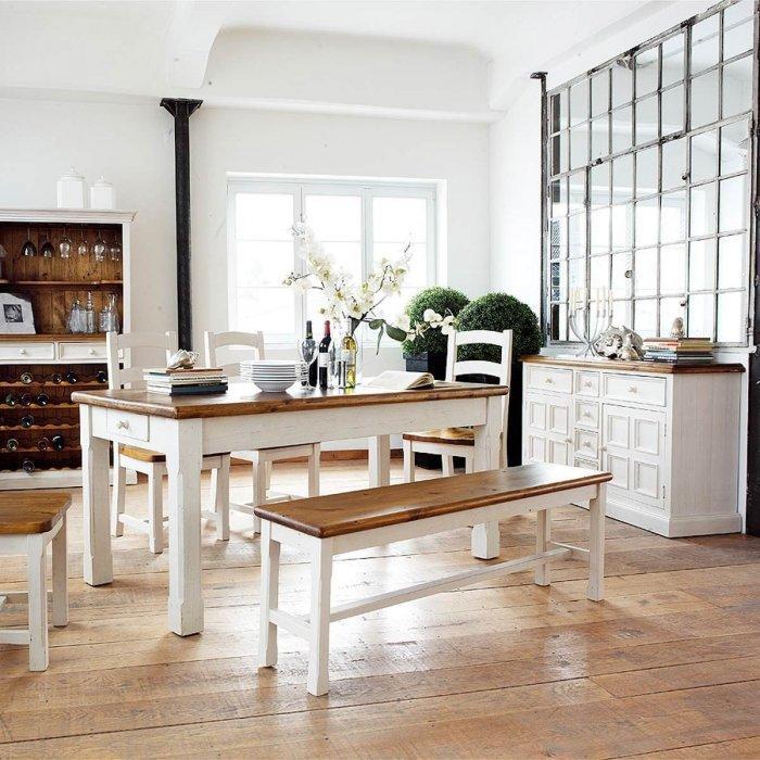 Farmhouse dining room - with elegant interior design