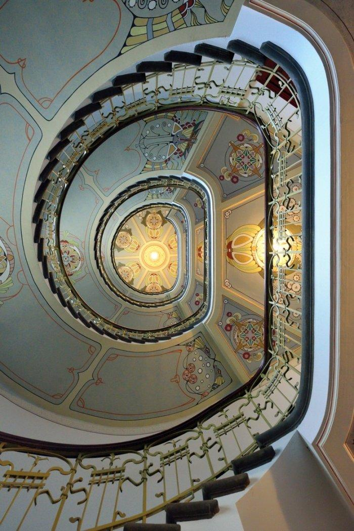 Secession staircase - in a residential building