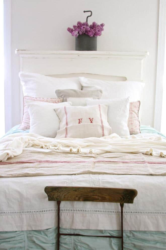 Shabby chic bed - with soft sheets