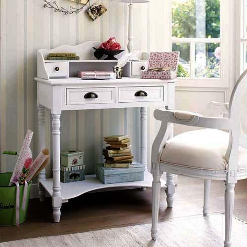 Shabby chic interior - in a country house