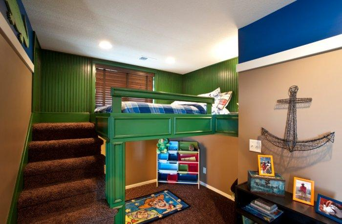 American loft bed - with green frame