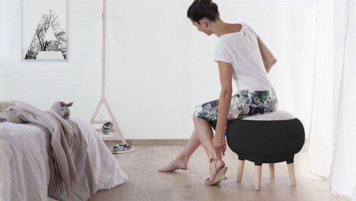 Black modern stool - with round shape