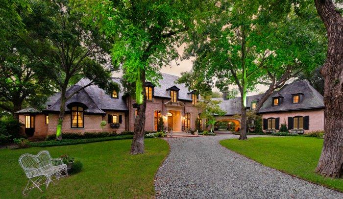 Contemporary luxurious French eclectic mansion - with ...