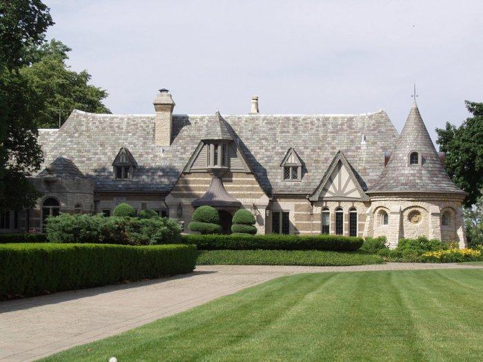 French style ecletic architecture 12 amazing houses for French tudor