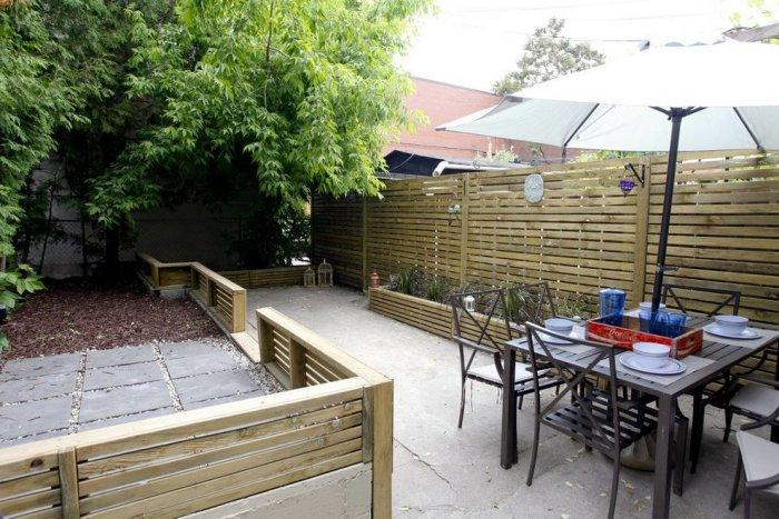 High pallet fence - and patio furniture
