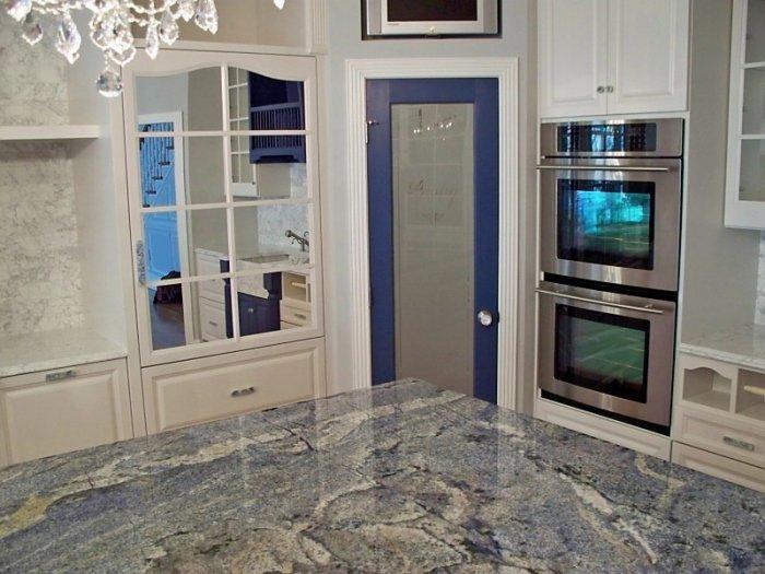 Light granite countertop - in traditional kitchen