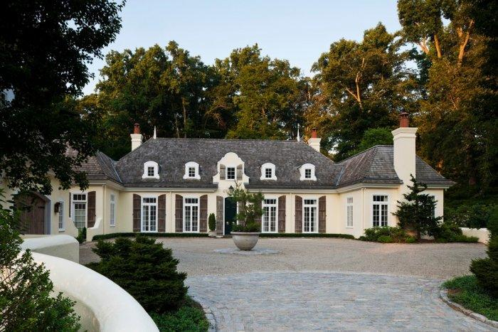 Luxurious French eclectic mansion - with French windows