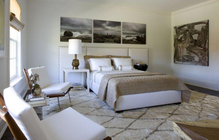 Modern bedroom art - back and white pictures