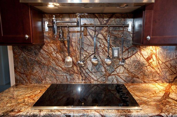 Modern kithen granite countertop - with dark and light nuances