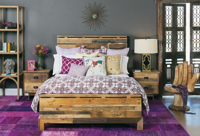 Pallet bed - with wooden frame and headboard