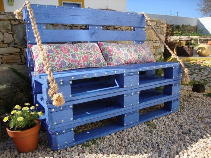 Pallet furniture - blue sofa - with bueatiful cushions