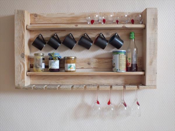 Pallet furniture - kitchen rack - for storing glasses