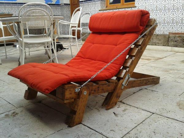 Pallet furniture - lounge - with metal chain