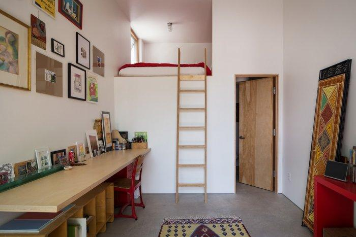 Simple loft bed - and wooden ladder