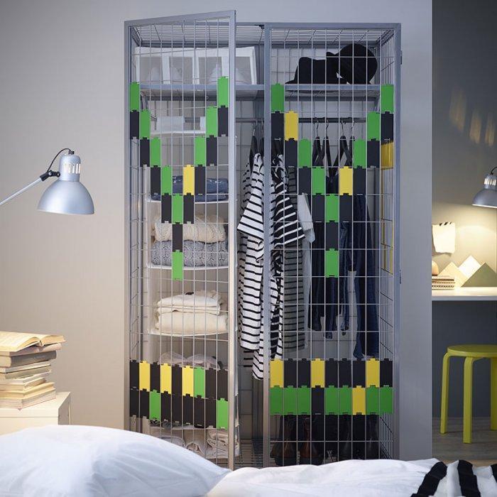 Creative bedroom wardrobe - with metal strings