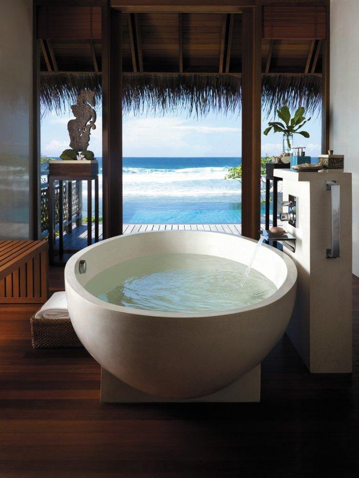 Luxurious Bathtubs – Expensive Designer Examples | Founterior