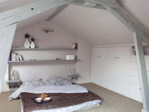 attic bedroom designs 12 500x375