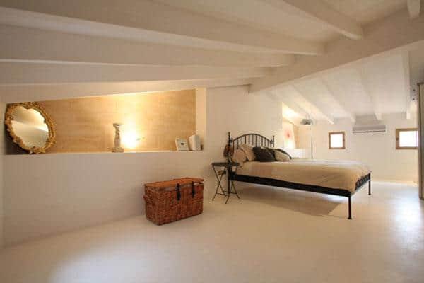 attic room 15
