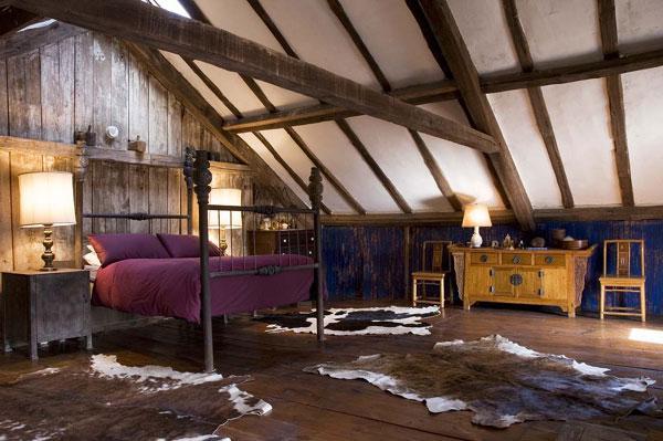 attic room 17